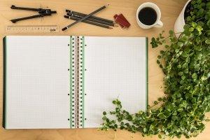 Metodo di studio veloce - appunti, caffè e matite