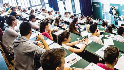 Andare a lezione: 15 DRAMMI che solo i frequentanti conoscono