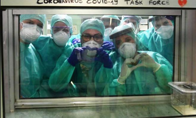 Medici e infermieri sono gli eroi di cui abbiamo bisogno