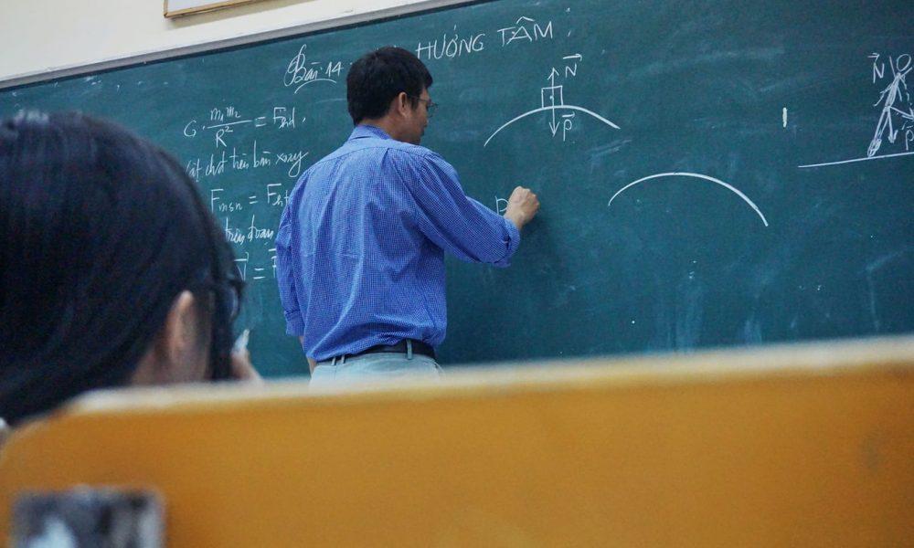 Fisica: Su Quali Libri Studiare per Preparare l'Esame?