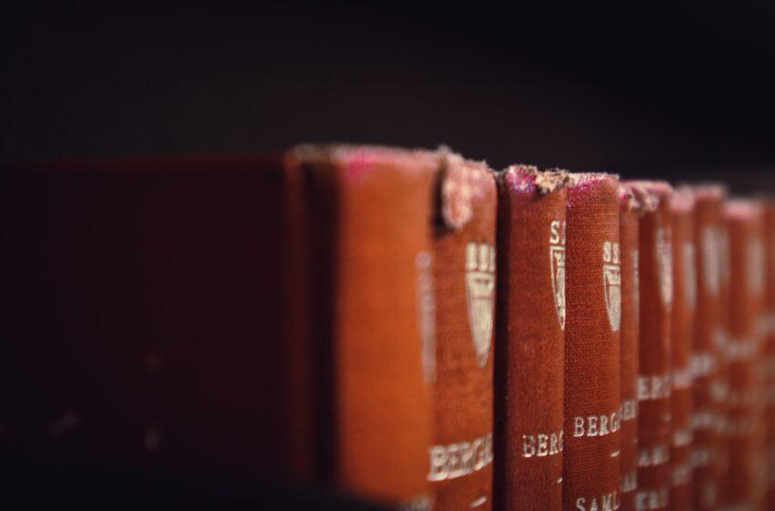Diritto Amministrativo: qual è il miglior manuale per studiare?